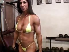Gal Bodybuilder Flex